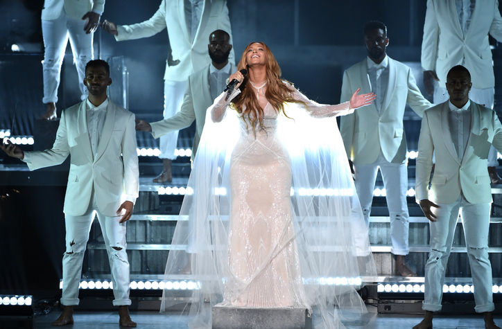 beyonce-white-dress-grammys-performance-2015-w724